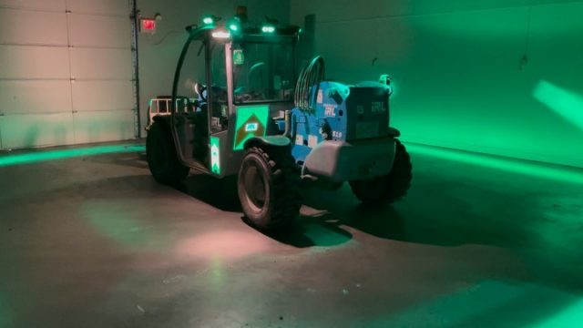 We are proud to have worked with @fhoss_north_america and @irlconstruction for this project! We installed illuminated graphic panels and halo lights for their vehicle.  The halo lights create a danger zone to help with job site safety. The flashing, illuminated logos can be seen from a mile away........Next level ⚡️  *****************************************************  #graphics #safe #safety #safteyfirst #brand #flashing #vehiclegraphics #genie #lights  #construction #jobsite #sitesafety